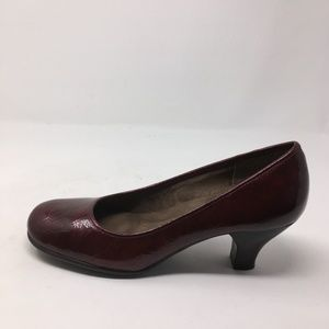 AEROSOLES DARK RED HEEL 7.5